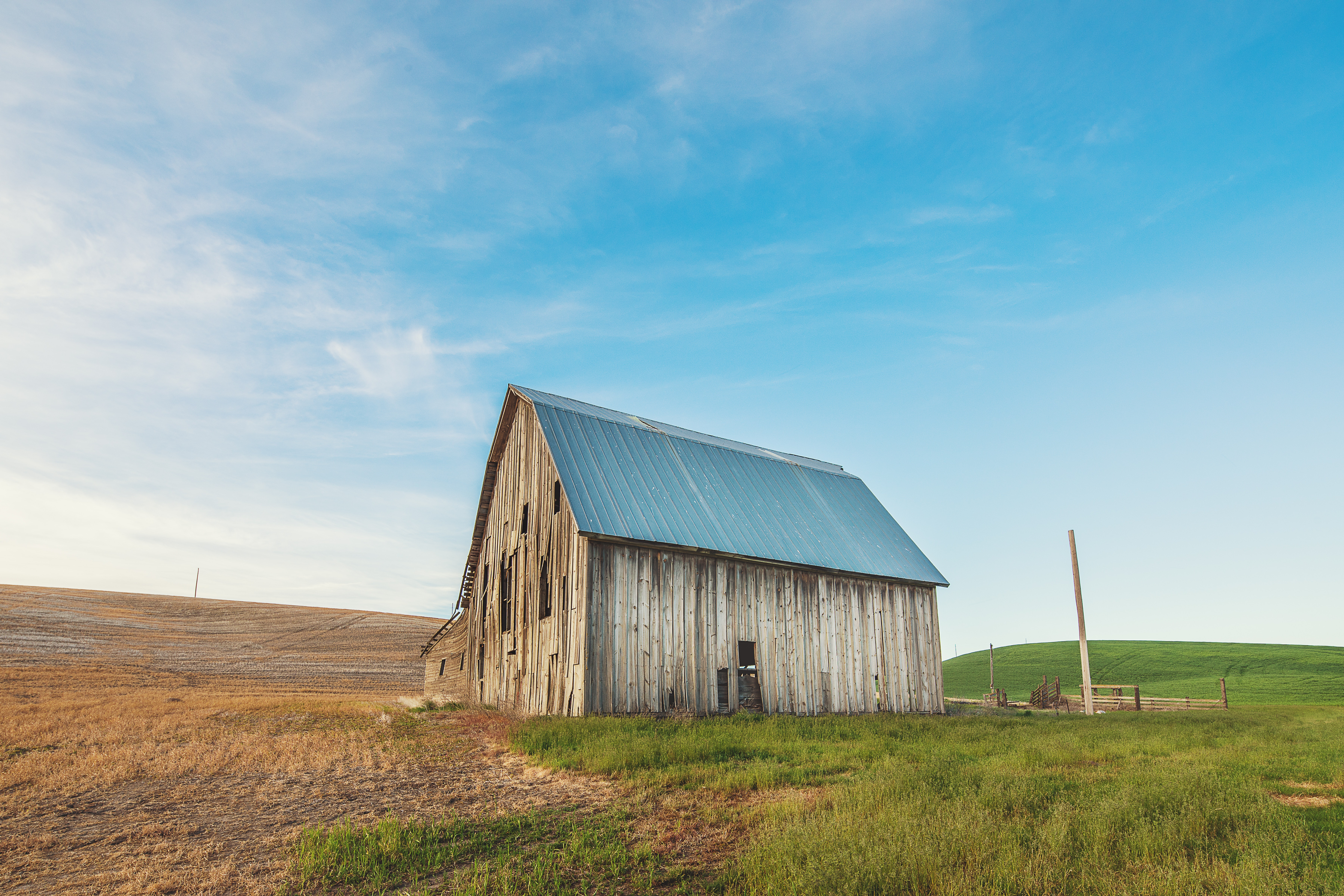 abandoned-agriculture-barn-732550
